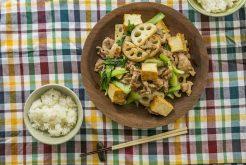 豚肉とレンコン、チンゲン菜のオイスターソース炒め