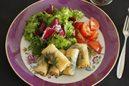 牡蠣とモッツァレラの揚げ春巻き