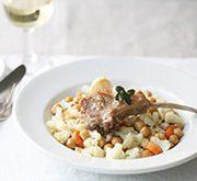 子羊のローストと野菜の蒸し焼き