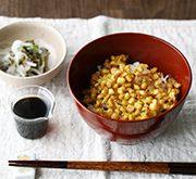 トウモロコシとアサツキのかき揚げ丼