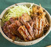 豚バラとゴボウのピリ辛味噌焼き丼