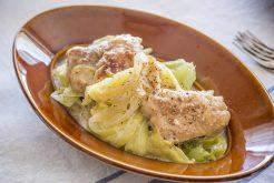 キャベツと鶏肉のクミン煮