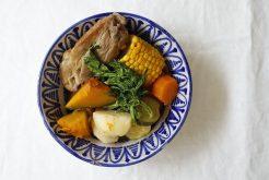 豚スペアリブと野菜の煮込み
