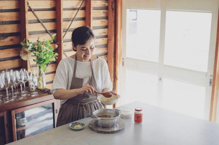 ユウキ食品×料理家・川上ミホさん『野菜と鶏ガラ、Wの旨味たっぷりスープレシピ』