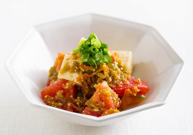 トマトと豆腐のサラダ ザーサイドレッシング
