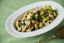 鶏肉と秋野菜のカシューナッツ炒め