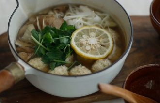 「わたしの胃袋ごはん 鍋開きに作りたい柚子塩麹の鶏つくね鍋」暮らし上手のたまごさん 関沢愛美