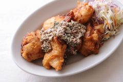鶏の唐揚げと漬物タルタルソース